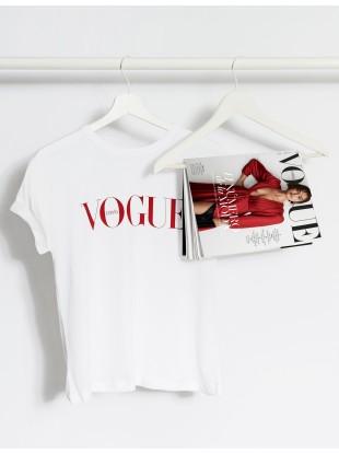 https://tienda.condenast.es/nast/2642-thickbox_alysum/suscripcion-vogue-camiseta.jpg